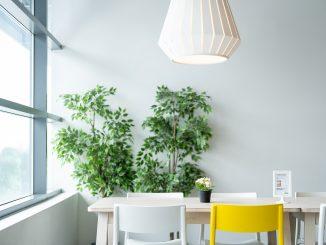 Modne lampy do mieszkania - mieszkaj jak celebrytka